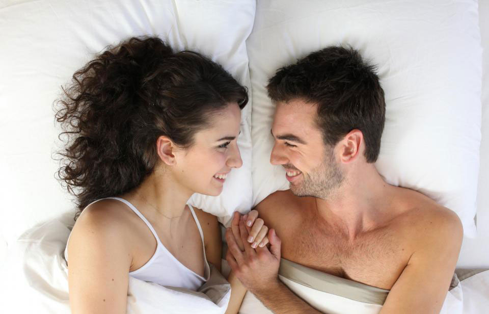man-and-woman-in-bed